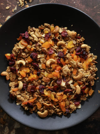 Caramelized Oats Granola with Apricots and Cranberries