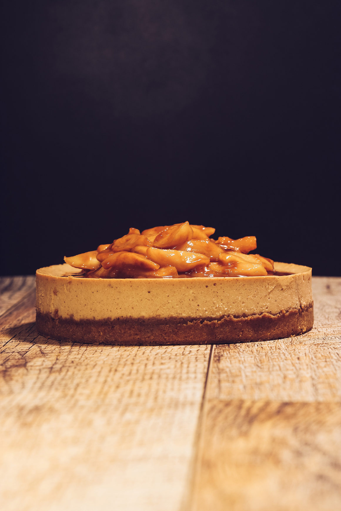 Cheesecake with Praline Crust and Caramelized Apples