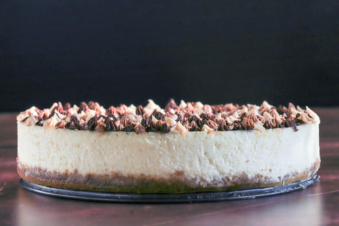 Vanilla Cheesecake with Pecan Crust