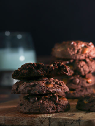 Mocha Chocolate Chip Cookies with Caramel