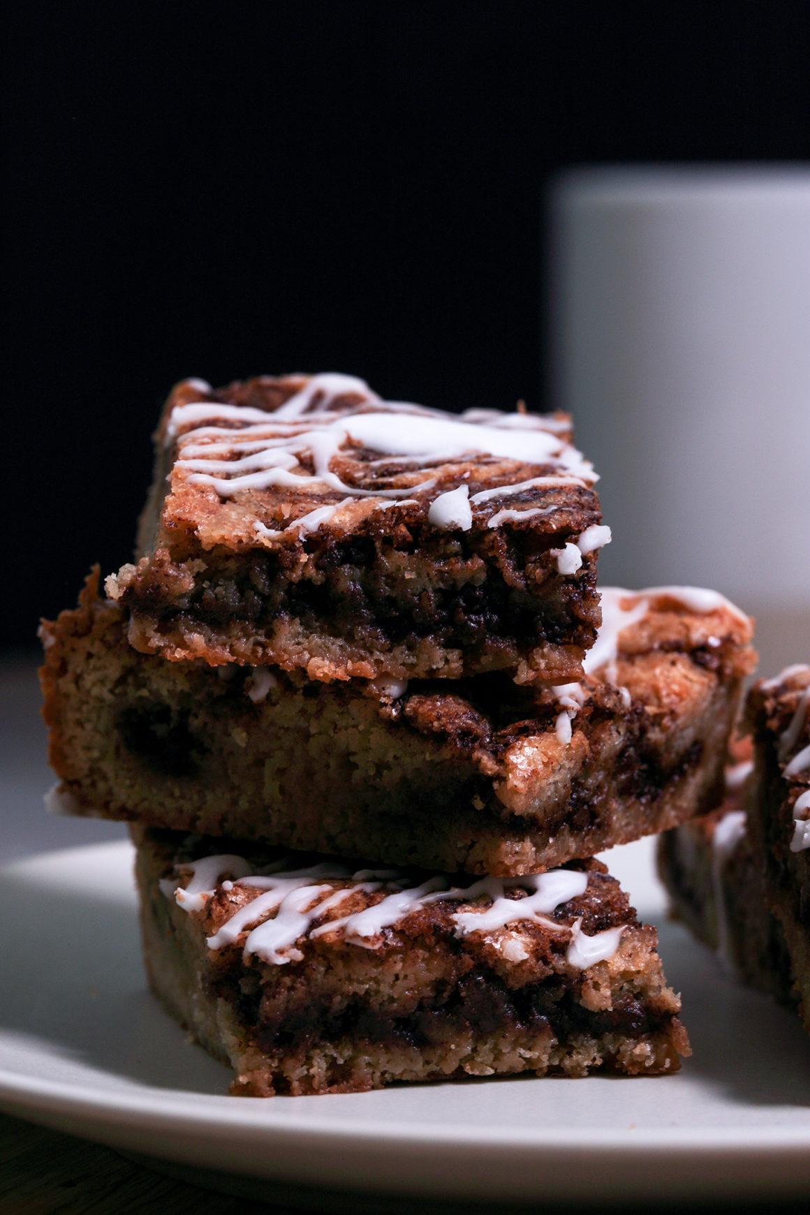 Cinnamon Roll Dessert Bars