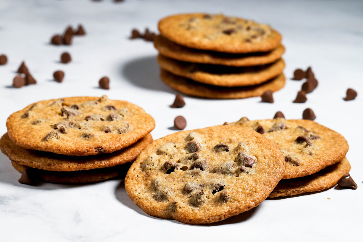 Crispy Chocolate Chip Cookies Wide