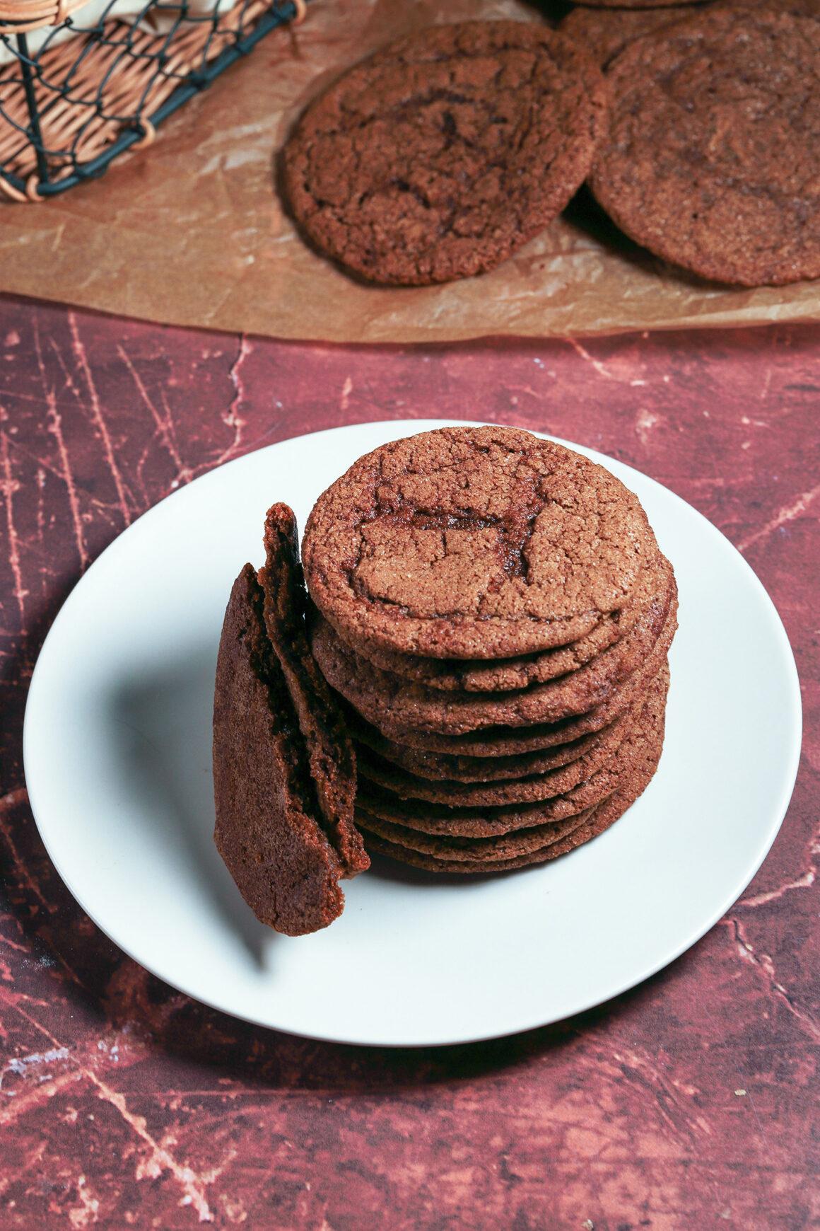 Gingersnap Cookies Overhead