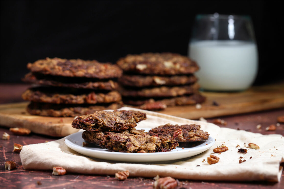 Chocolate Cookies with Oatmeal and Pecans
