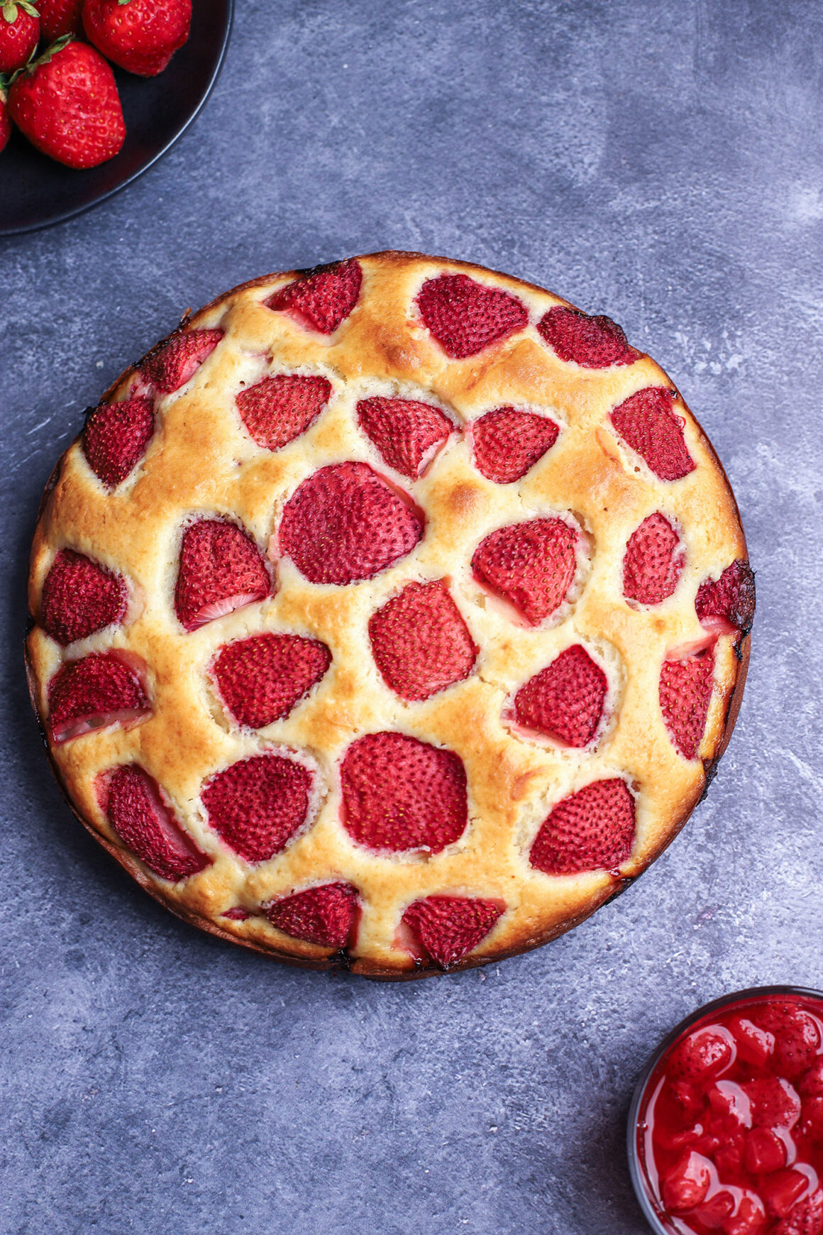 strawberry cake overhead