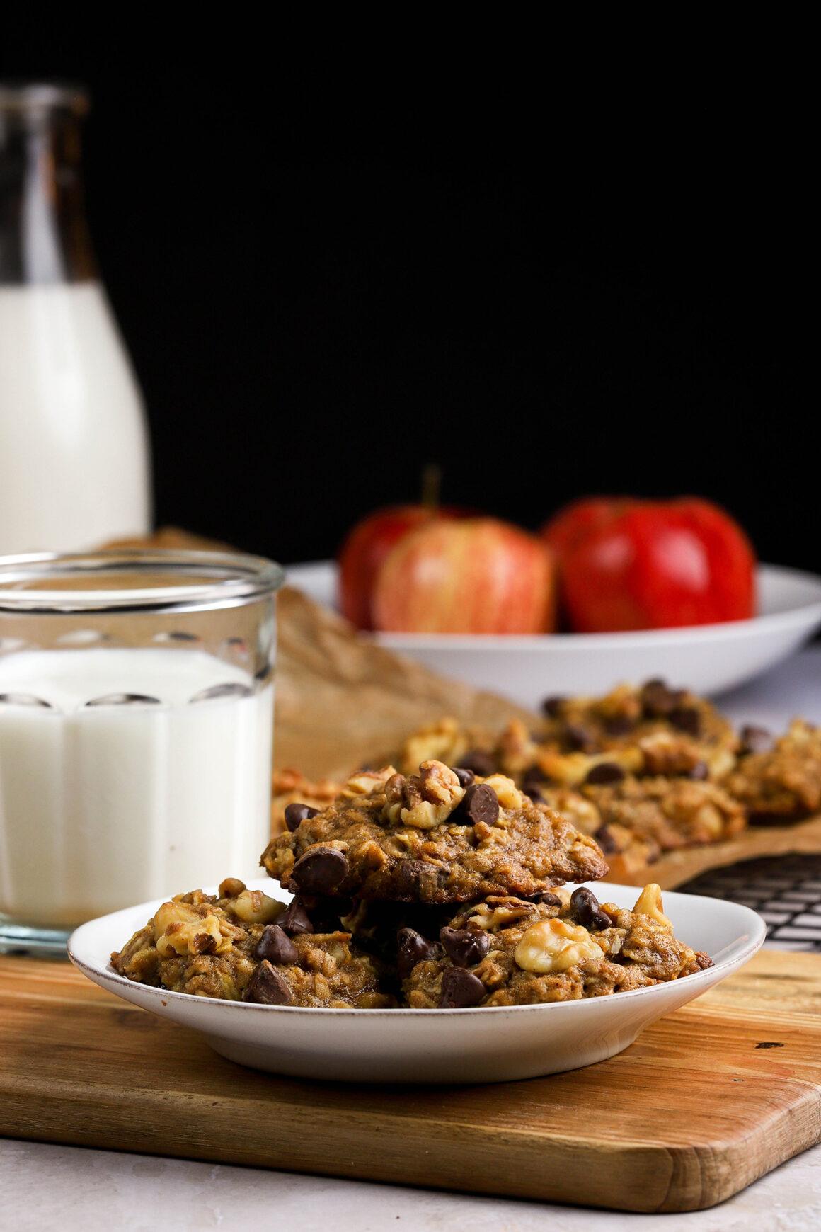 apple and chocolate oatmeal cookies