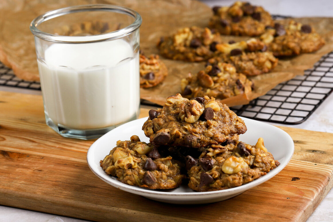 apple dark chocolate oatmeal cookies