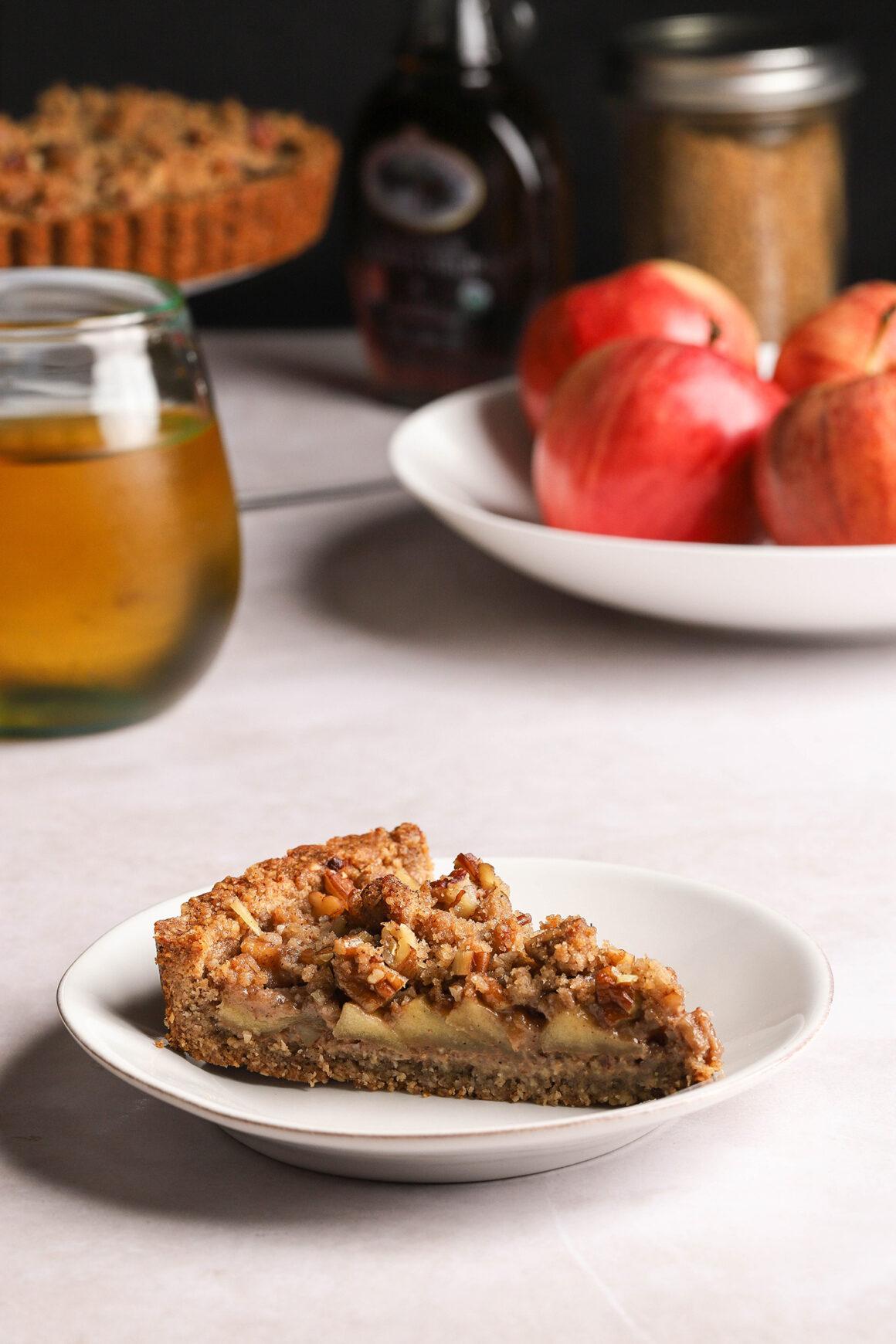 caramel apple pecan streusel tart slice