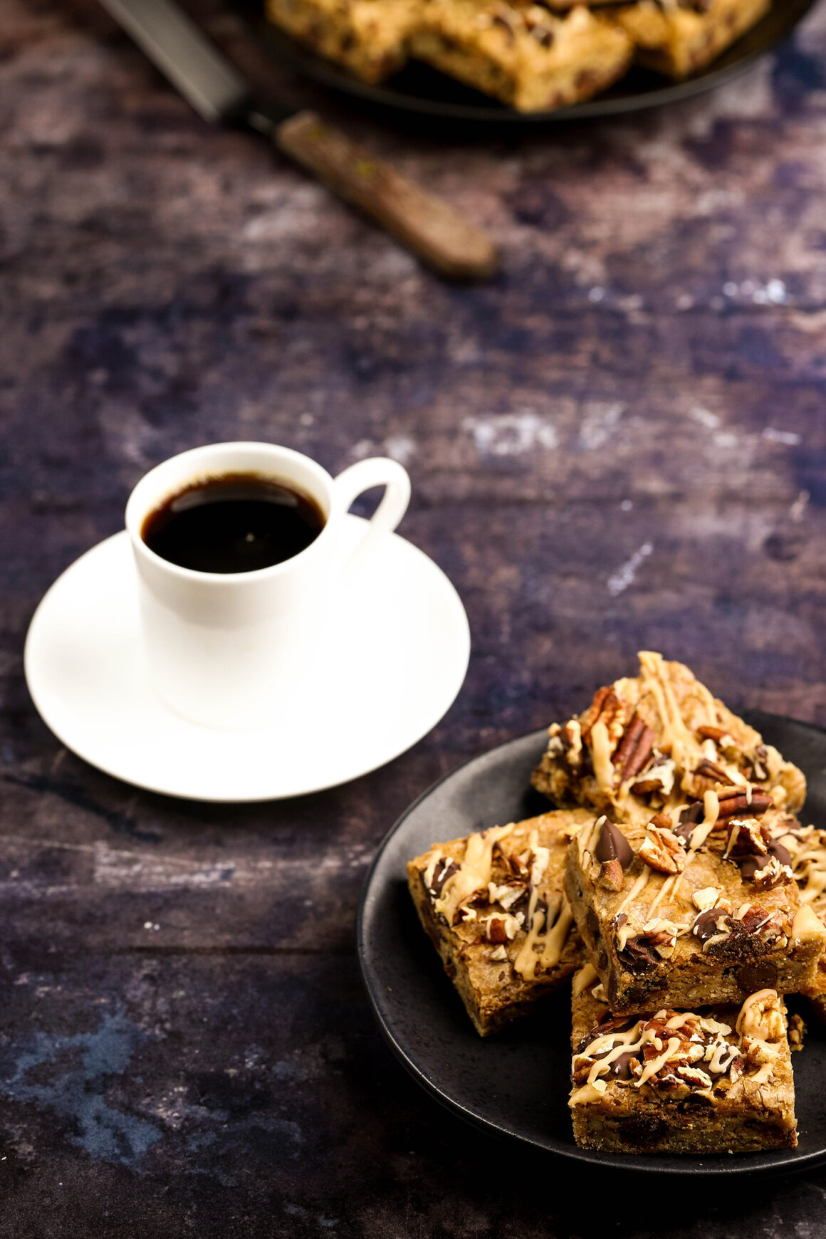 coffee blondies with pecans and chocolate