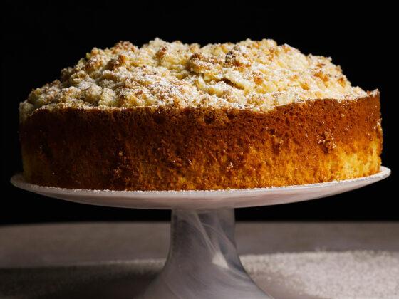 lemon cream crumble cake