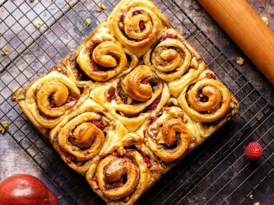 pear raspberry walnut sweet rolls