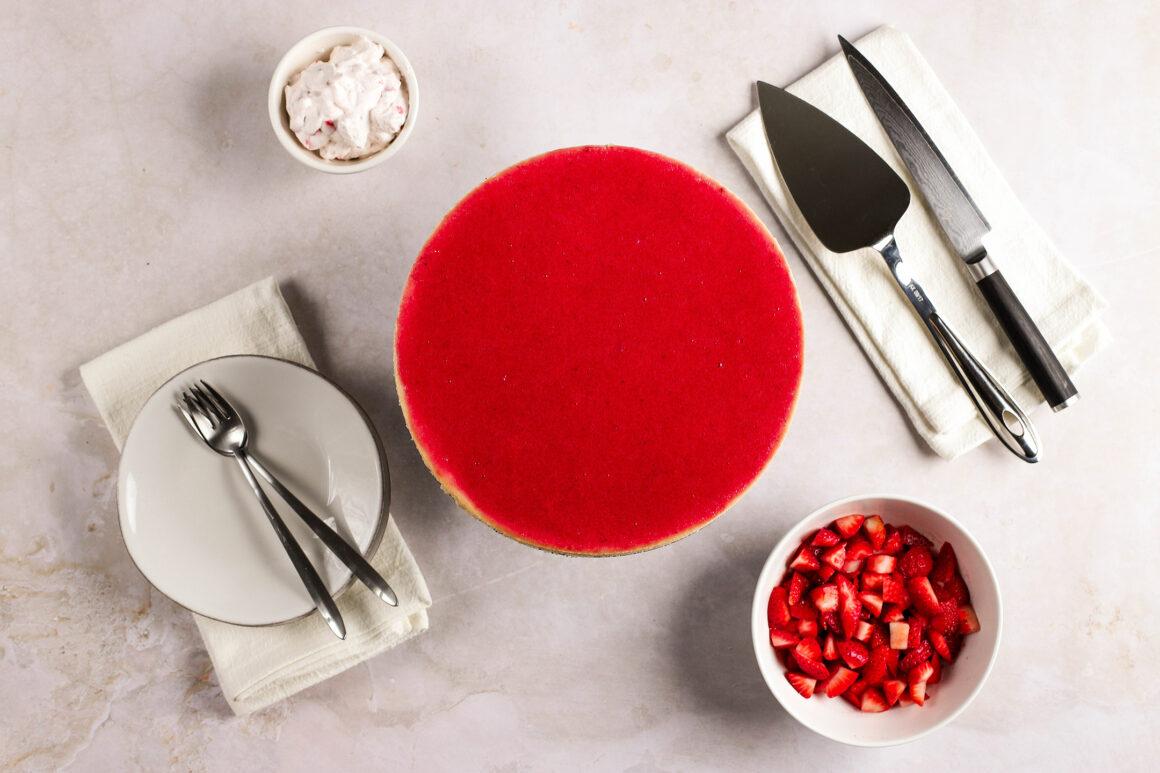 strawberry cheesecake with strawberry glaze